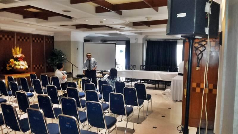 Meeting Apartemen Golf Pondok INdah